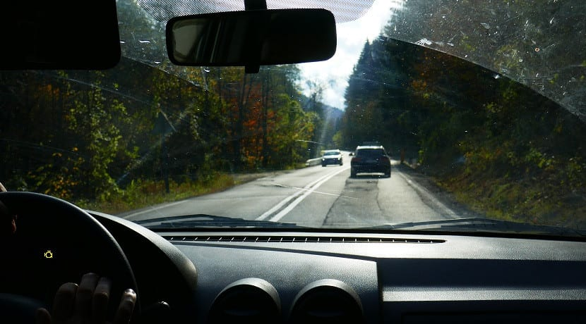 Luz fallo motor conduciendo