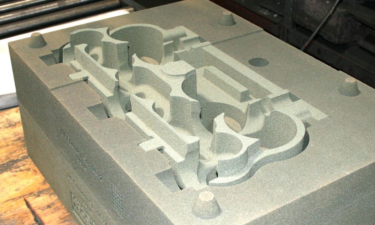 Molde de bloque motor para su fabricación