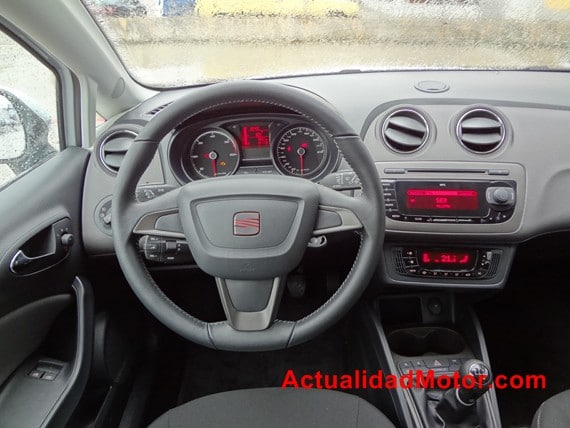 Seat Ibiza 2012 cuadro de mandos