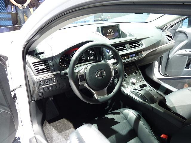 Lexus-CT200h-Interior