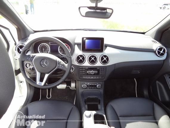 Mercedes Clase B 2012 salpicadero