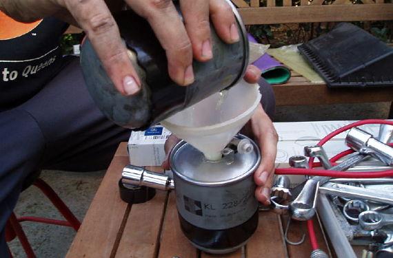 Llenar filtro de gasoil