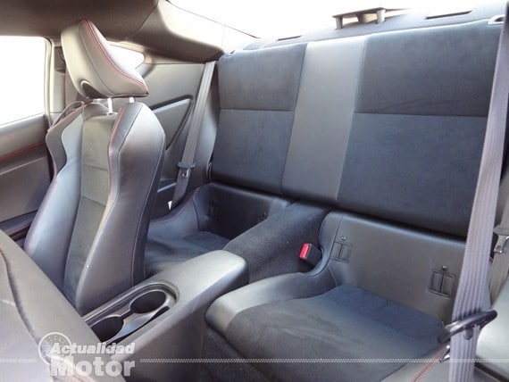 Plazas traseras Subaru BRZ Premium