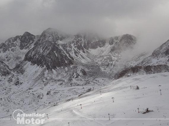 Montañas nevadas Andorra