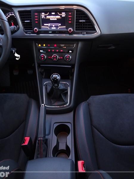 Seat Leon FR 2013 tdi 150cv (32)