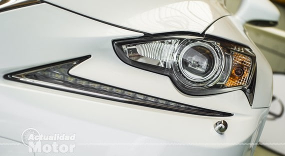 Faros Lexus IS 300h