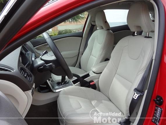 Volvo V40 D2 asientos cuero