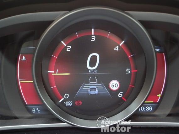 Volvo V40 D2 radar activo