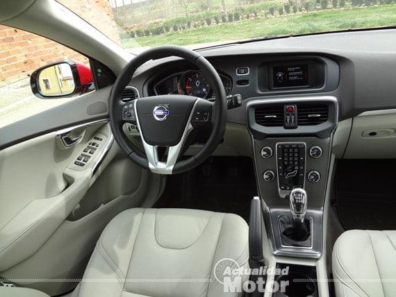 Volvo V40 D2 interior