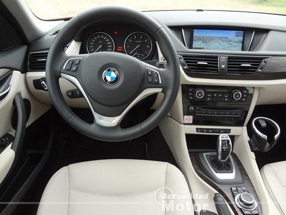 BMW X1 2.0i S-Drive (117)