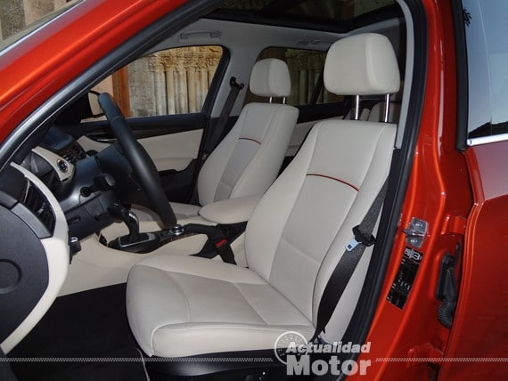 BMW X1 2.0i S-Drive asientos