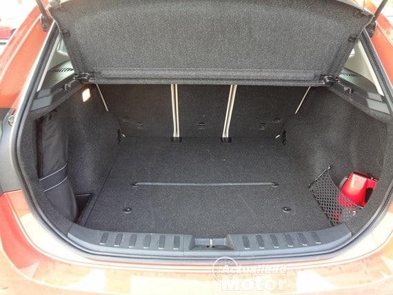 BMW X1 2.0i S-Drive maletero