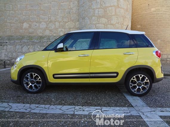 Fiat 500L Trekking linea lateral