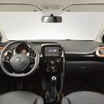 Interior Nuevo Toyota Aygo Ginebra 2014