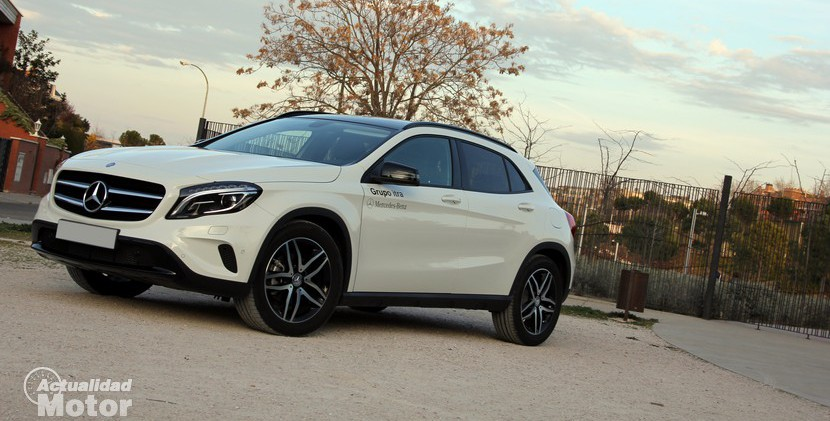 prueba mercedes gla 220 cdi 4matic al volante. Black Bedroom Furniture Sets. Home Design Ideas