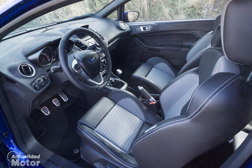 Ford Fiesta ST 2014 asientos Recaro