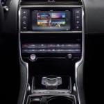 Jaguar XE oficial 14