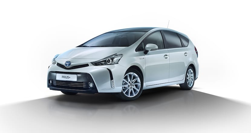 toyota-prius-+-restyling (1)