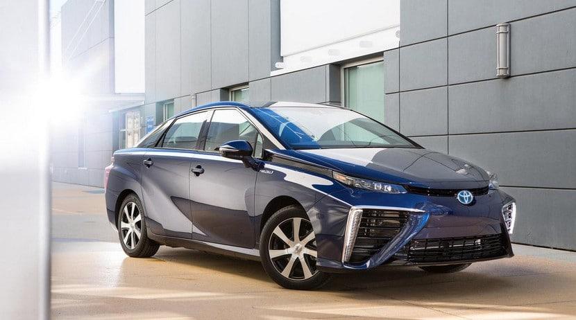 Toyota Mirai FCV 2015