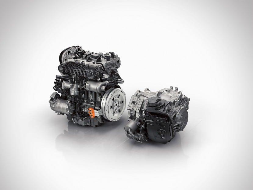 Volvo XC90 T8 híbrido plug-in detalles