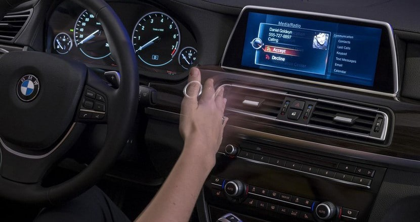 Sistema multimedia iDrive BMW CES 2015