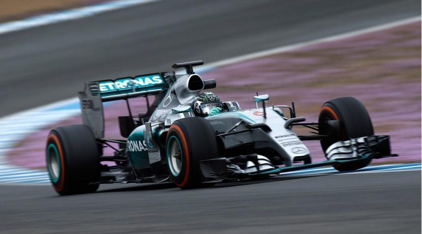 Mercedes W06 pilotado por Rosberg