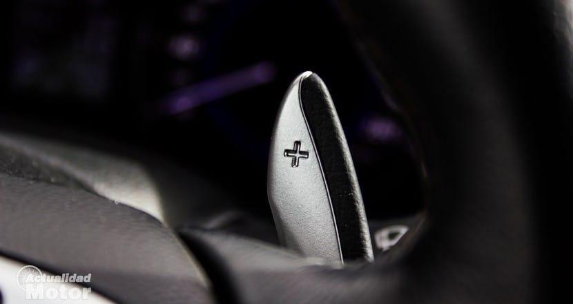 Levas de cambio tras el volante