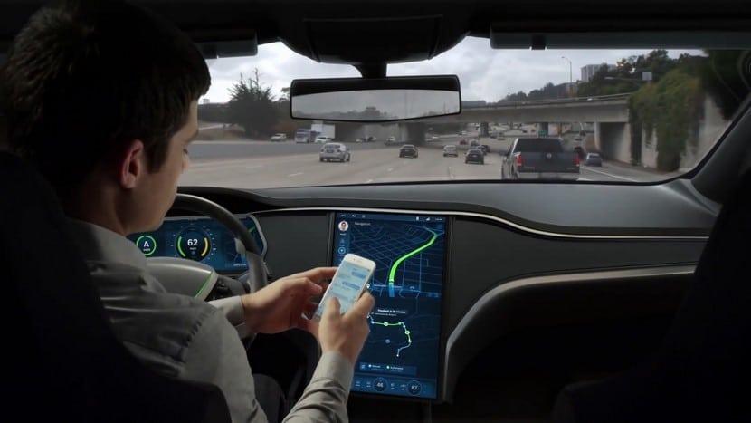Conducción autónoma en vídeo Tesla Model S
