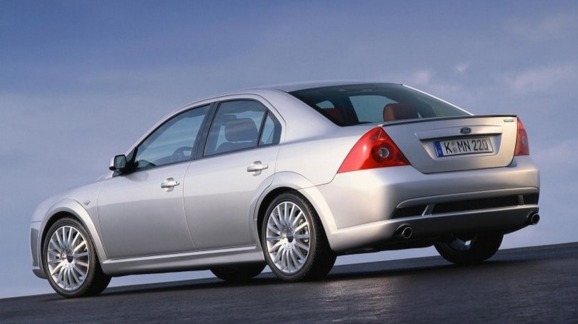 Ford-Mondeo-ST220-02