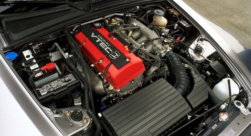 2000 Honda S2000 Roadster engine.