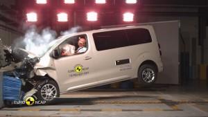 Citroën Spacetourer, Peugeot Traveller, Toyota Proace 5 estrellas EuroNCAP
