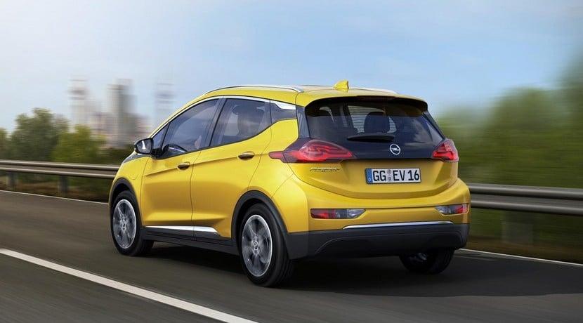 Opel Ampera-E vista trasera