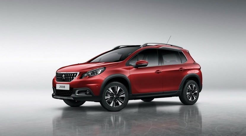 Peugeot 2008 restyling 2016 vista frontal