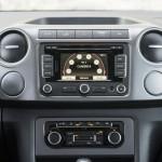 Prueba Volkswagen Amarok 2.0 TDI BiTurbo 180 CV 4Motion Automático consola central