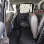 Prueba Volkswagen Amarok 2.0 TDI BiTurbo 180 CV 4Motion Automático asientos traseros levantados