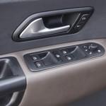 Prueba Volkswagen Amarok 2.0 TDI BiTurbo 180 CV 4Motion Automático elevalunas