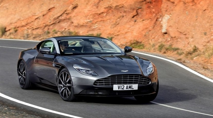 Aston Martin DB11 vista frontal