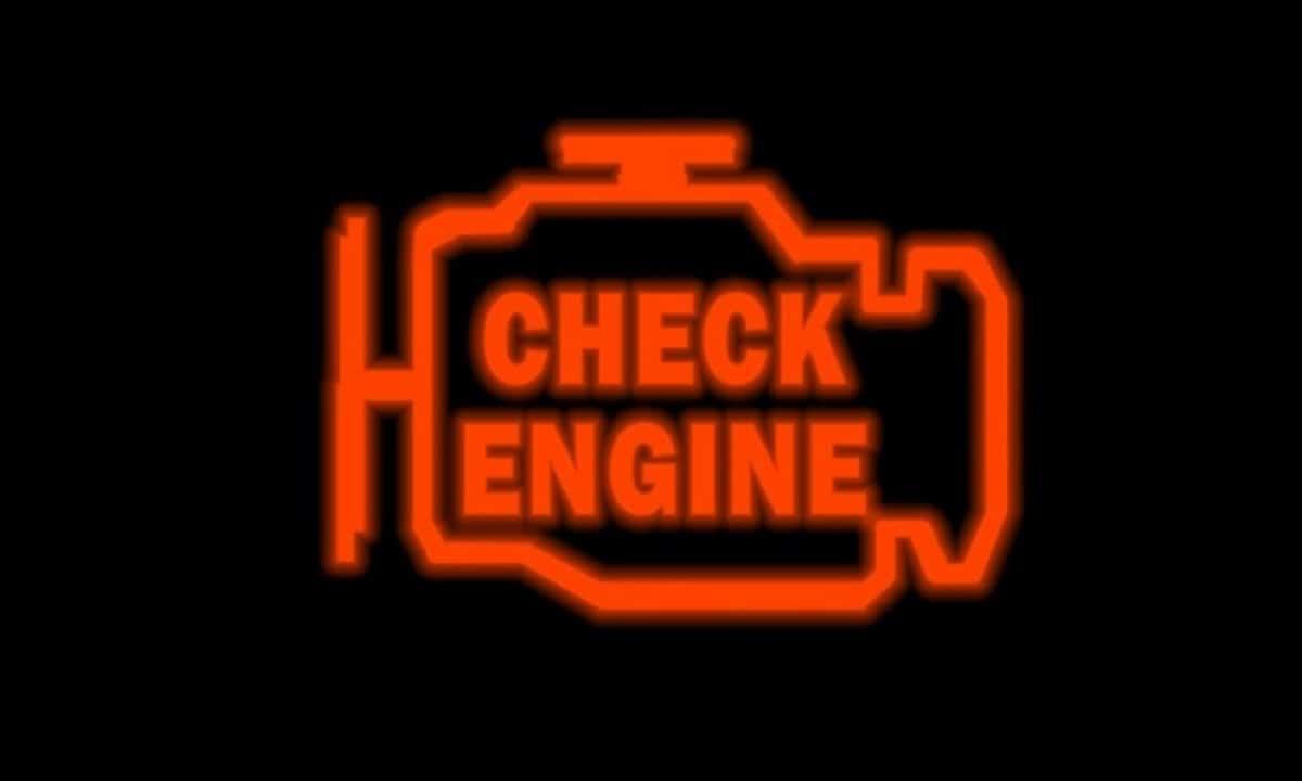 Aviso de fallo de motor indicando que la válvula EGR tiene algún problema
