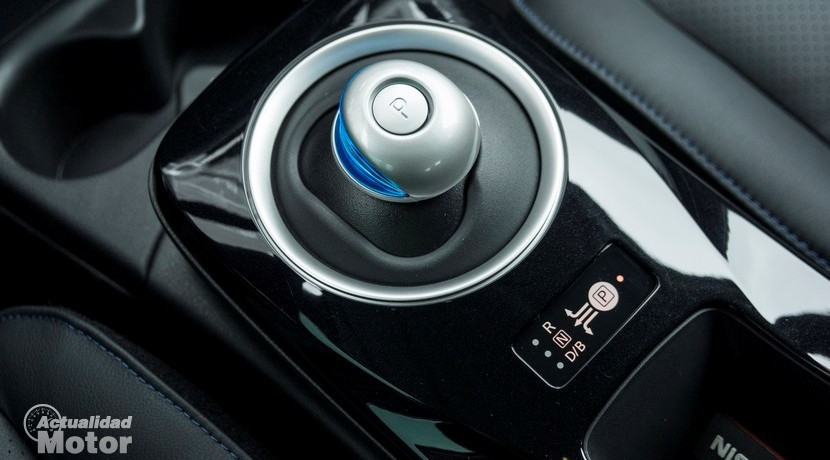Prueba Nissan Leaf 30 kWh selector cambio