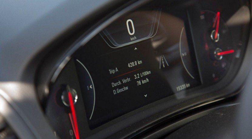 Opel Insignia 2111 km sin repostar