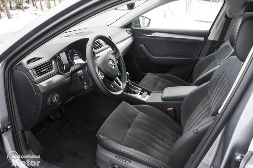 Prueba Skoda Superb Combi 2.0 TDI 150 CV DSG plazas delanteras