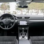Prueba Skoda Superb Combi 2.0 TDI 150 CV DSG salpicadero interior