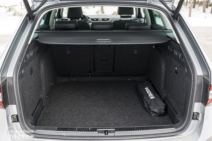 Prueba Skoda Superb Combi 2.0 TDI 150 CV DSG maletero