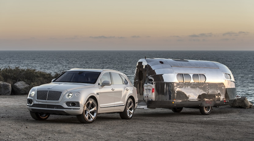 Bentley Bentayga remolque