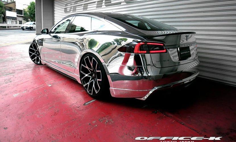 Tesla Model S cromado