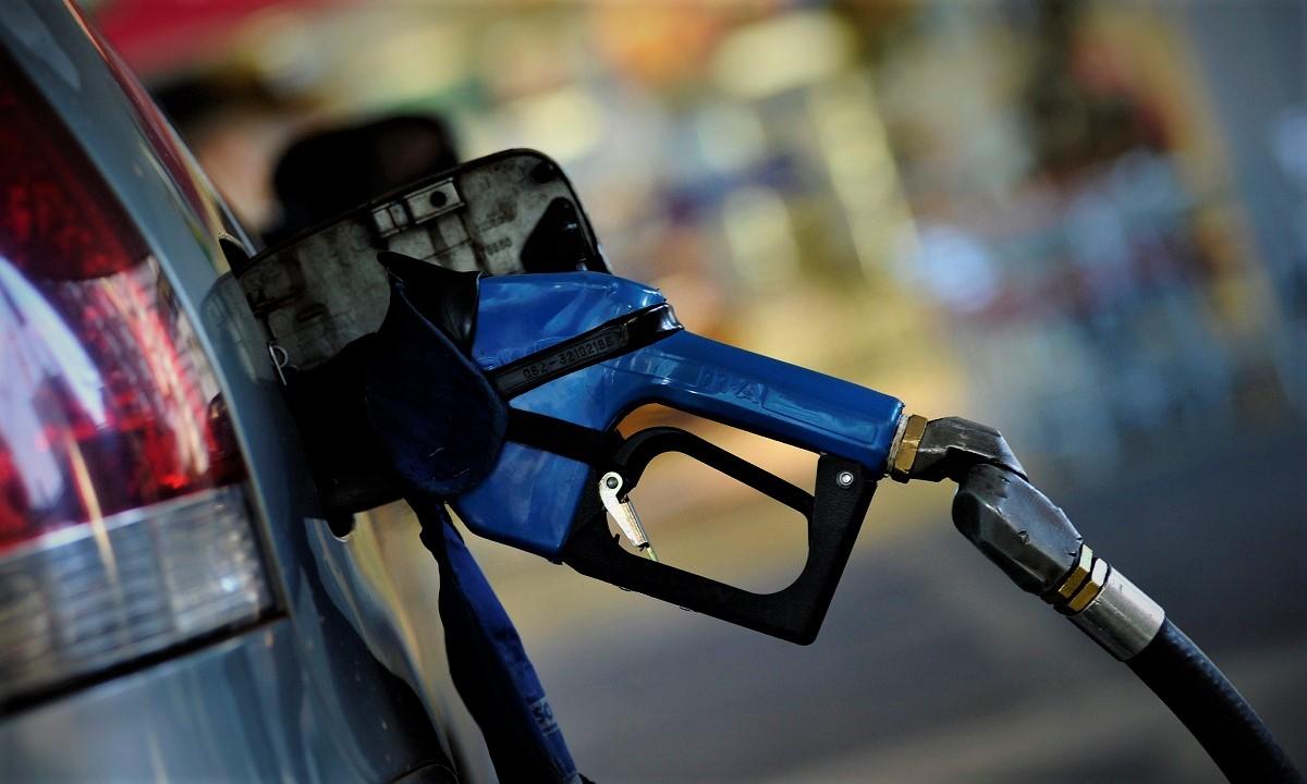 La bomba de gasolina solo es un elemento del sistema de combustible