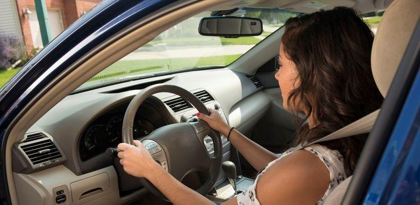 Postura correcta al volante