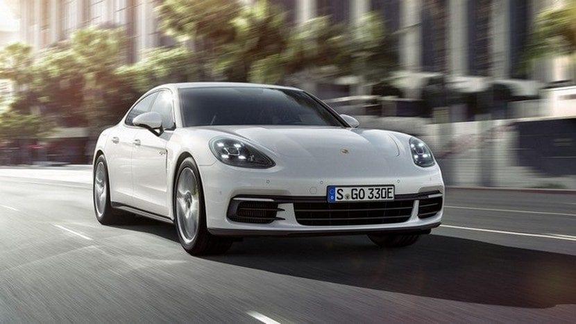 Porsche_Panamera-Porsche_154246058_15873229_1706x960