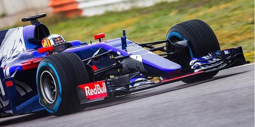 Frontal del Toro Rosso STR12