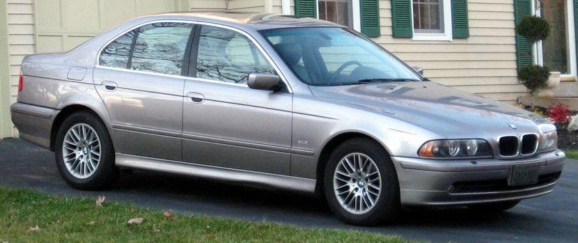 BMW 5 E39 que no podría circular por Barcelona tras la prohibición